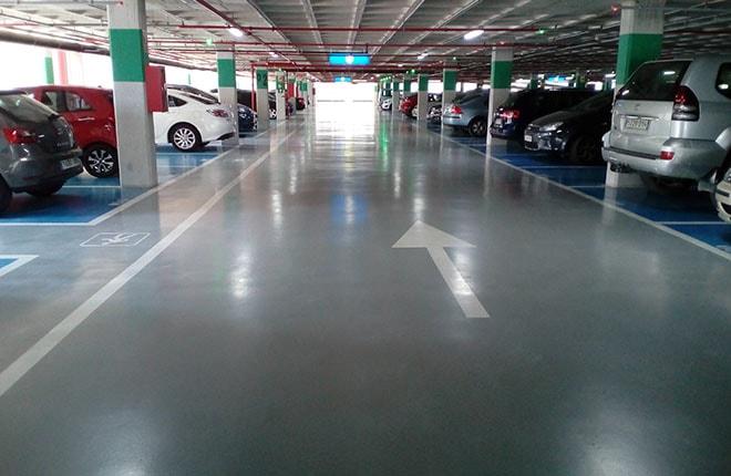 Mantenimiento de suelos de parking con resina epoxi